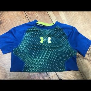 Boys Under Armour dri fit short sleeve shirt